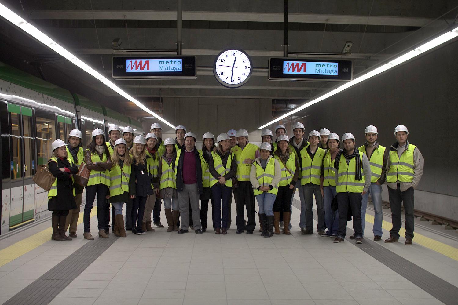 Imagen de una de las visitas a la Estación El Torcal, de la Línea 2 del Metro de Málaga.