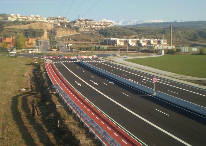 La vía ciclista de Peligros - Pulianas conecta con la existente en el Distribuidor Norte de Granada.