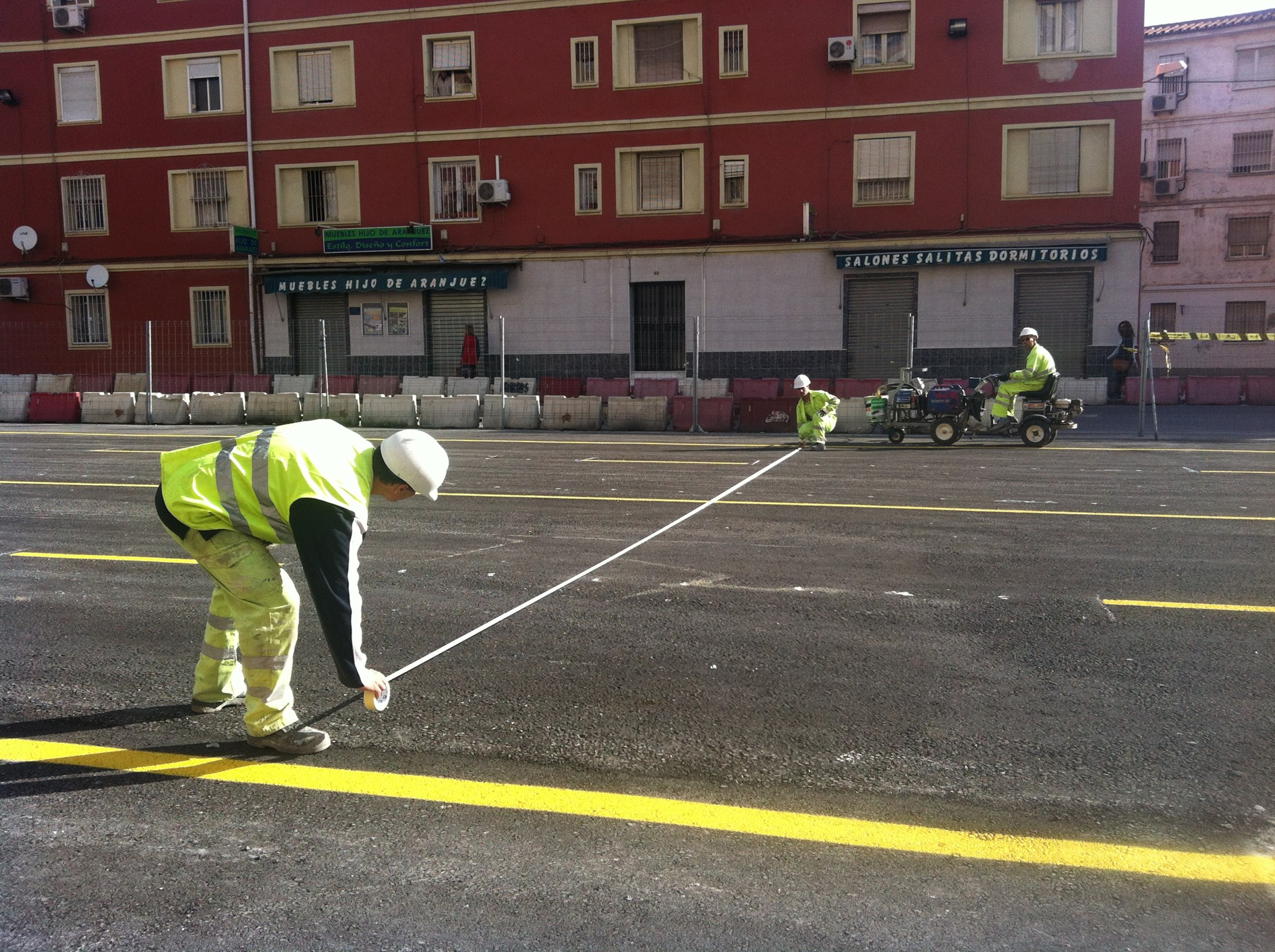 Primeros trabajos de metro de Málaga en la reurbanización de Juan XXIII.