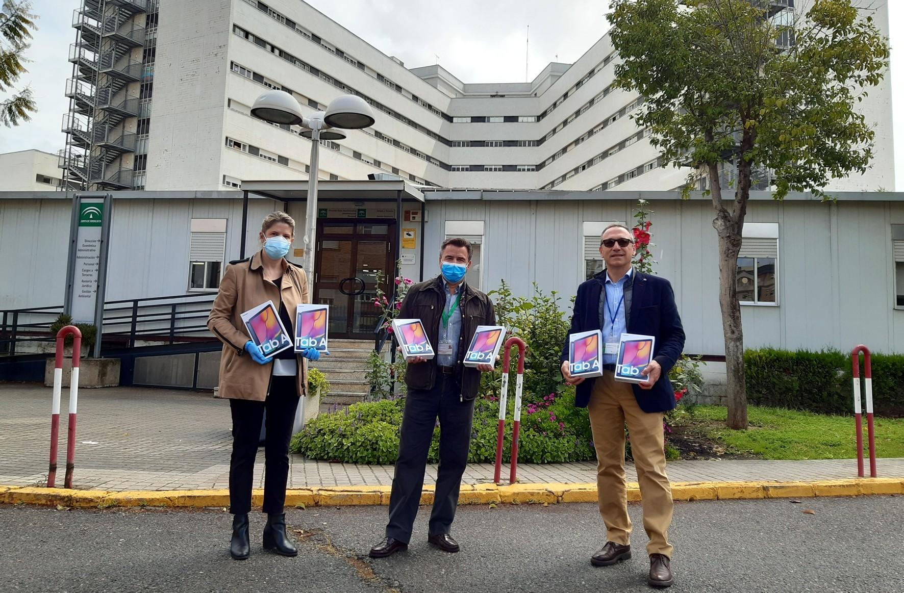 Entrega de tablets al Hospital Macarena.