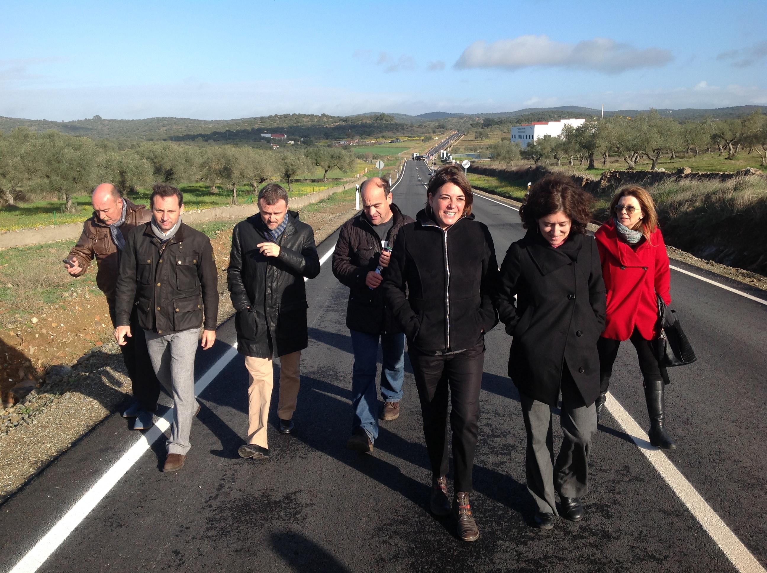 La consejera ha visitado el municipio de Encinasola en el norte de la provincia de Huelva.