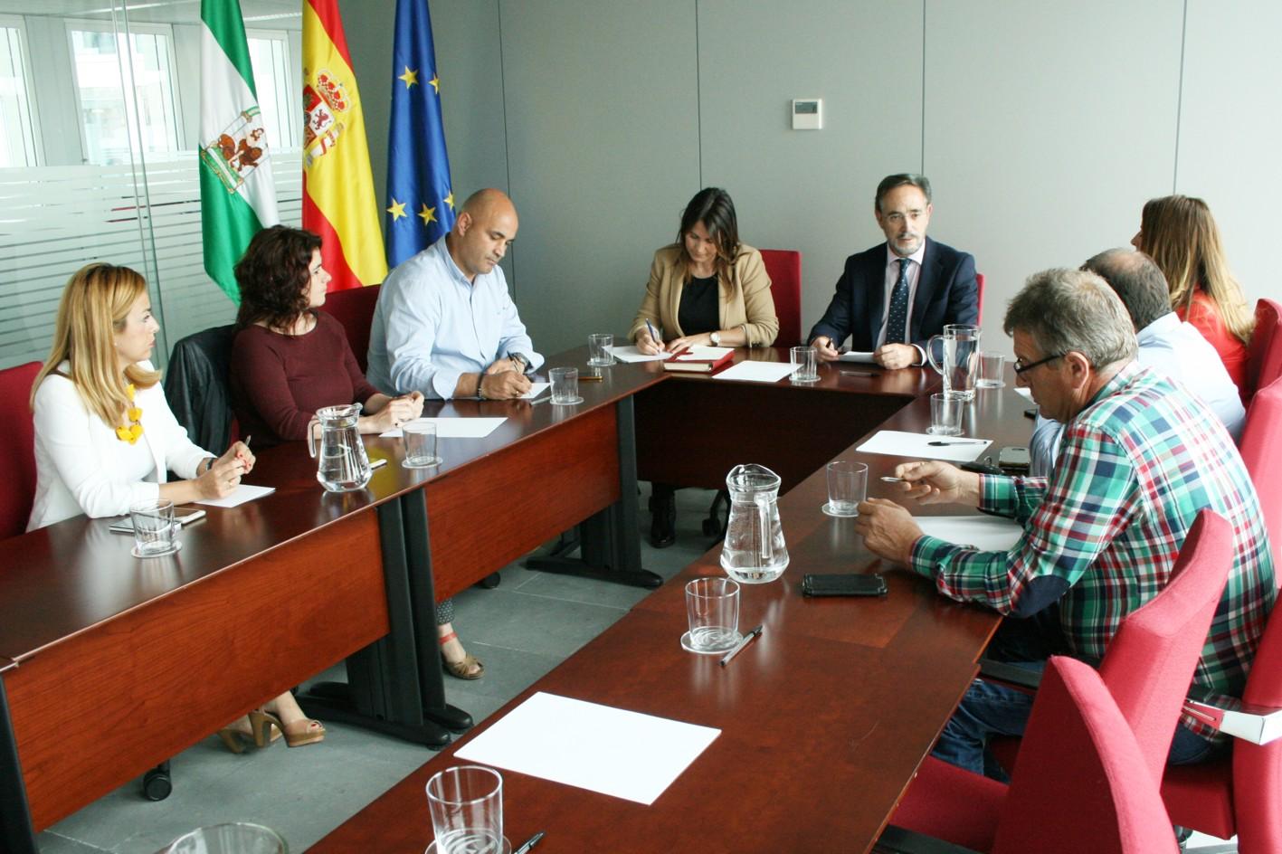 Felipe López, se ha reunido hoy con la plataforma ciudadana de la A-402