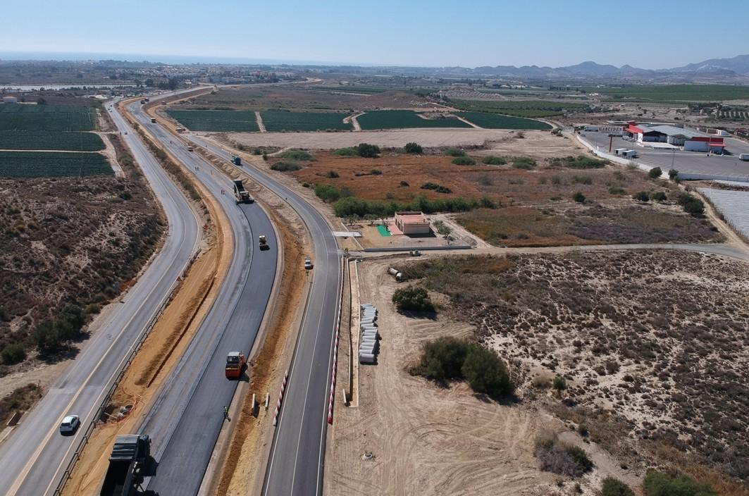 Obras de desdoblamiento de la carretera A-352 de Vera a Garrucha.