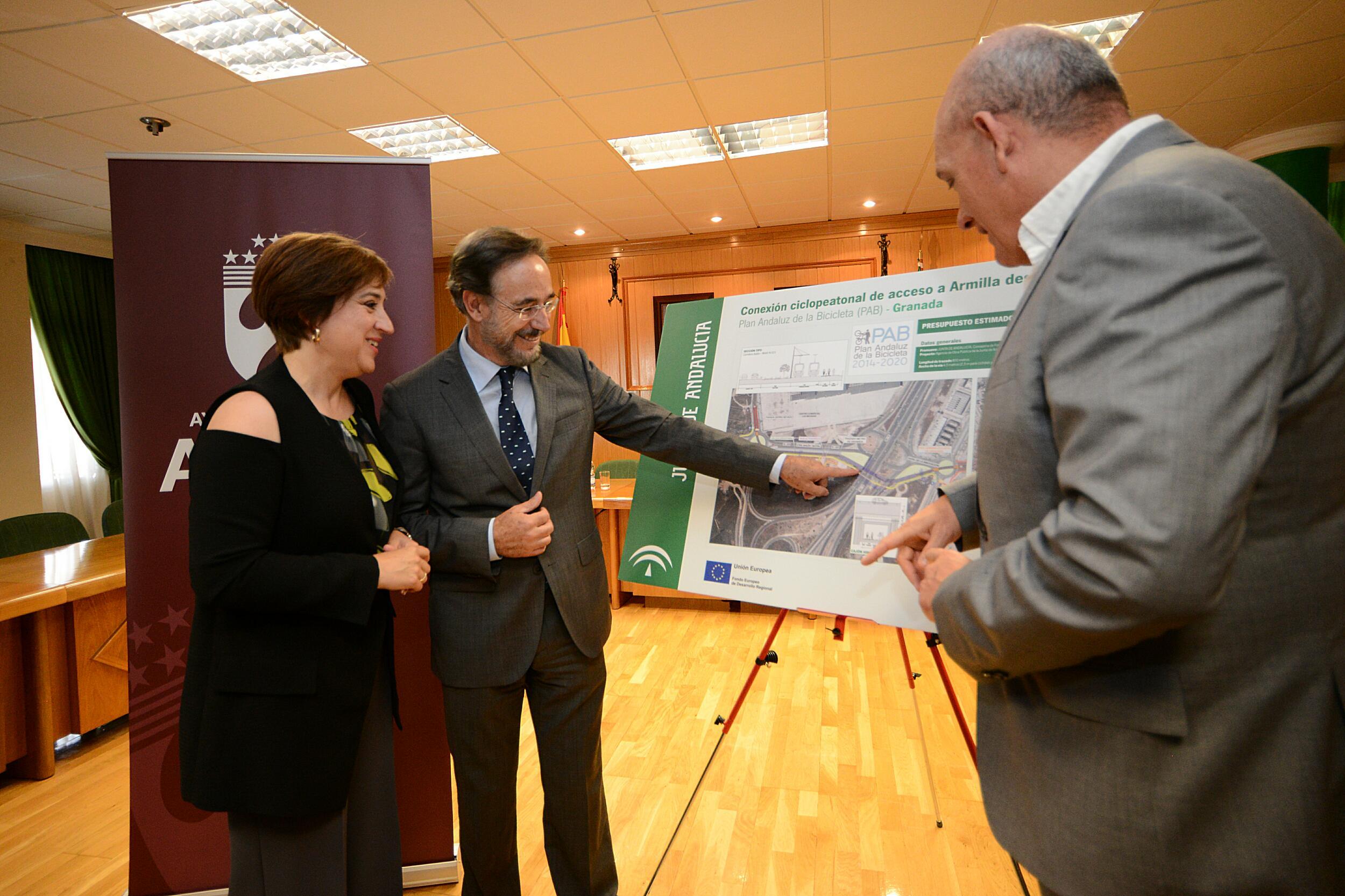 López ha destacado que estas actuaciones fomentarán la movilidad sostenible en la zona