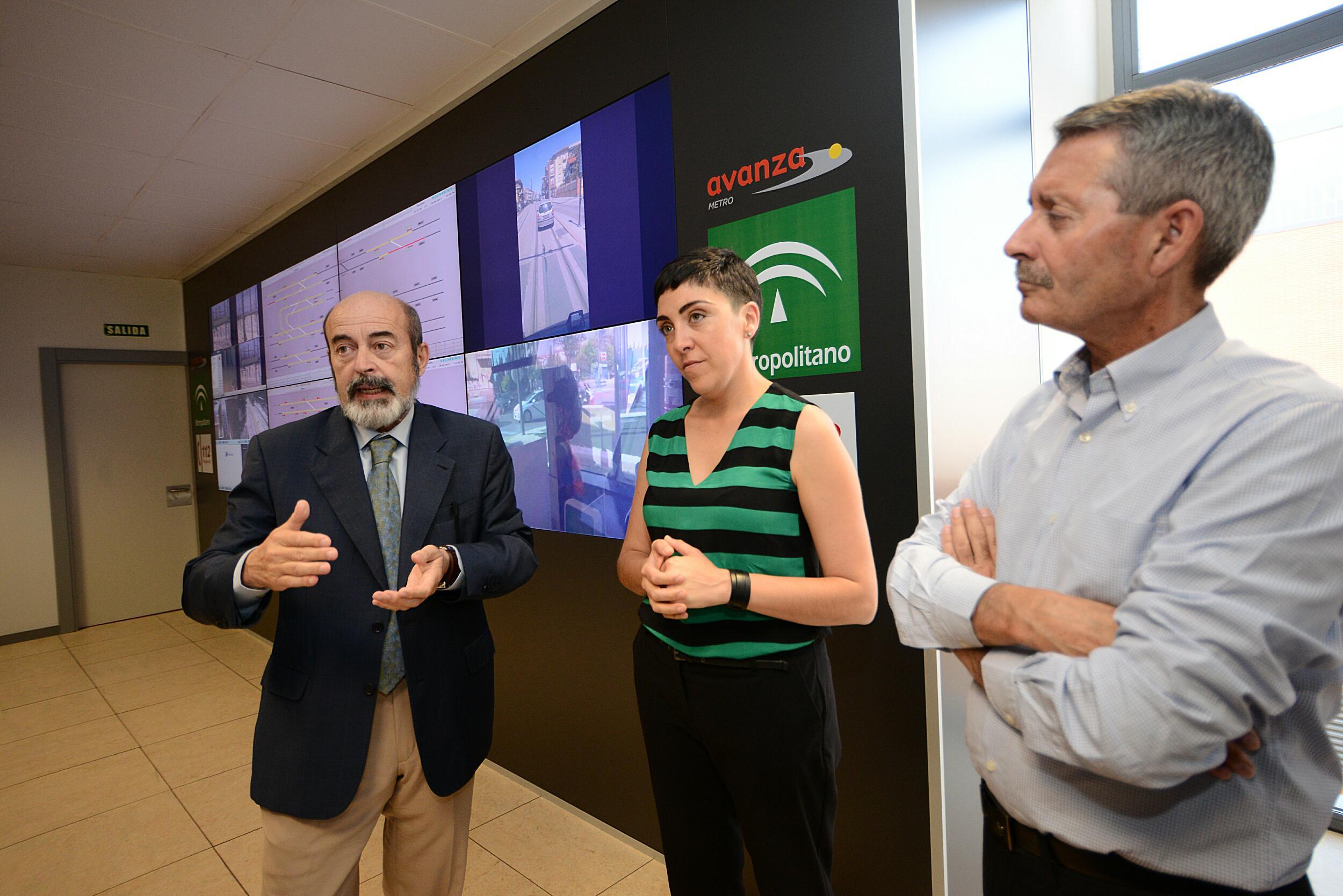 Los técnicos han explicado en el Puesto de Control Central las características de las pruebas y de la puesta en marcha.