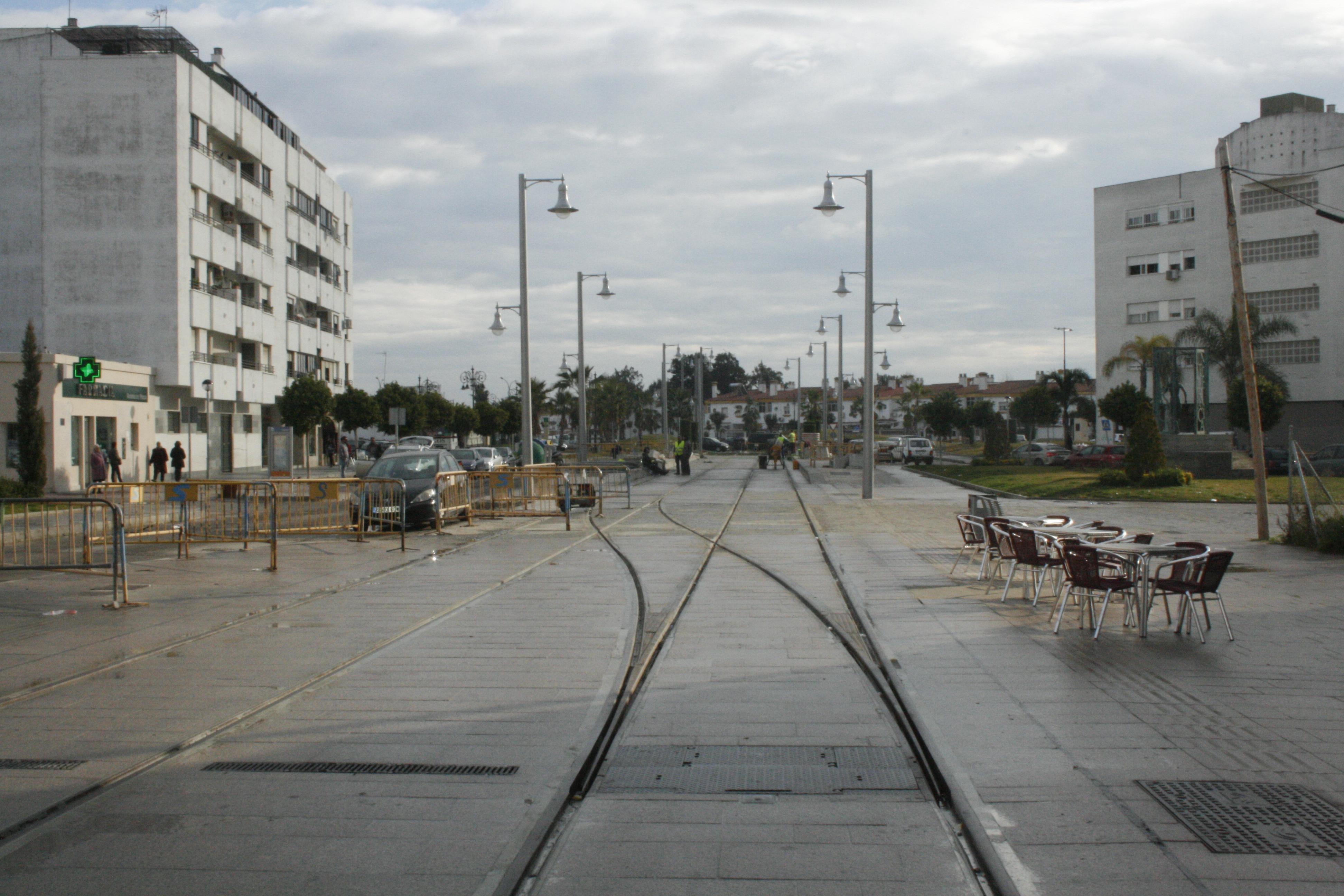 Fin de los trabajos de reurbanización de la calle Real de San Fernando.