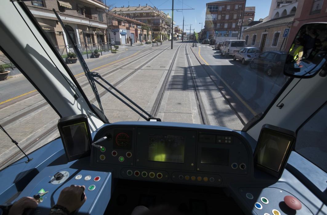El metro de Granada a su paso por Maracena.