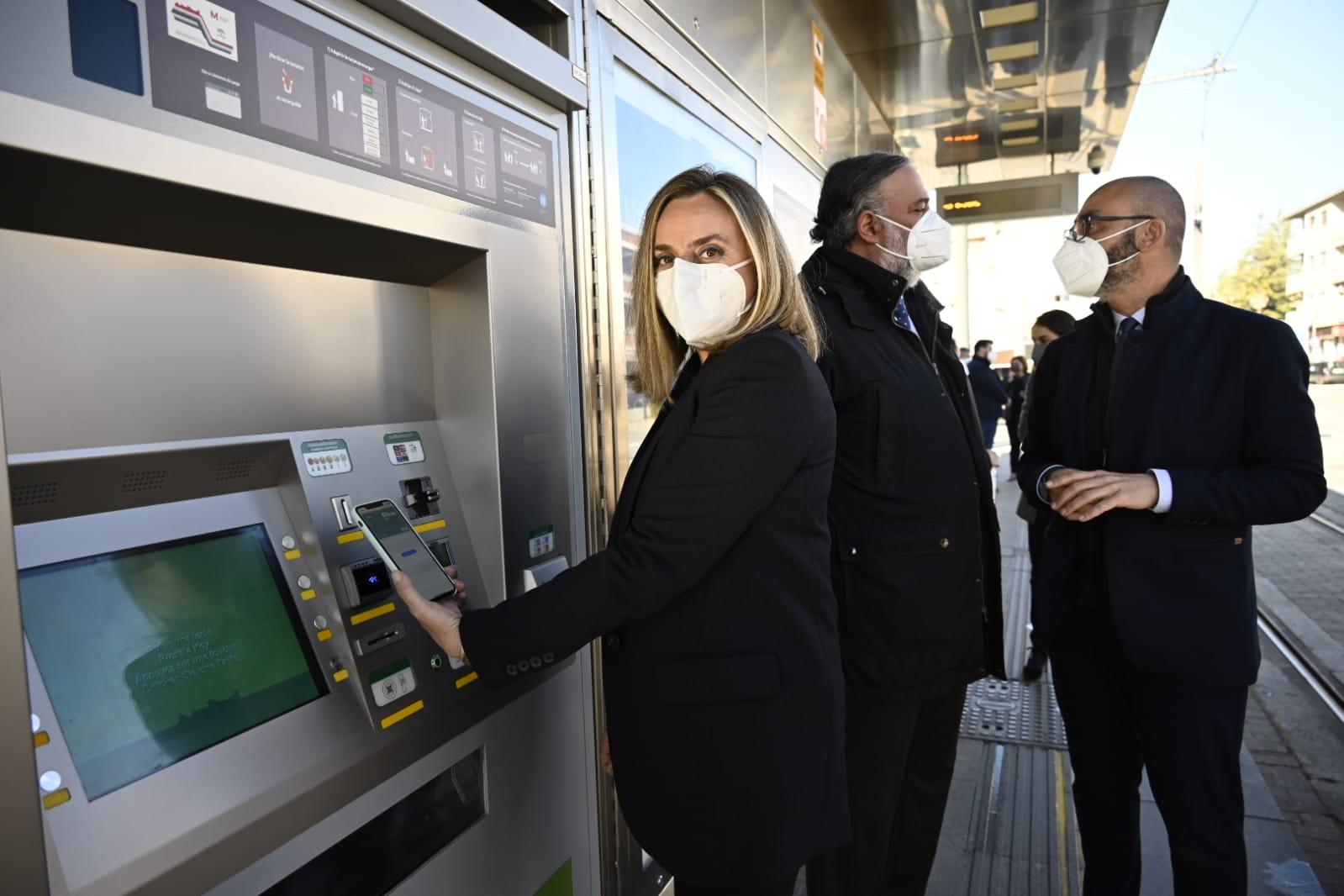 Pasarela bancaria Metro de Granada