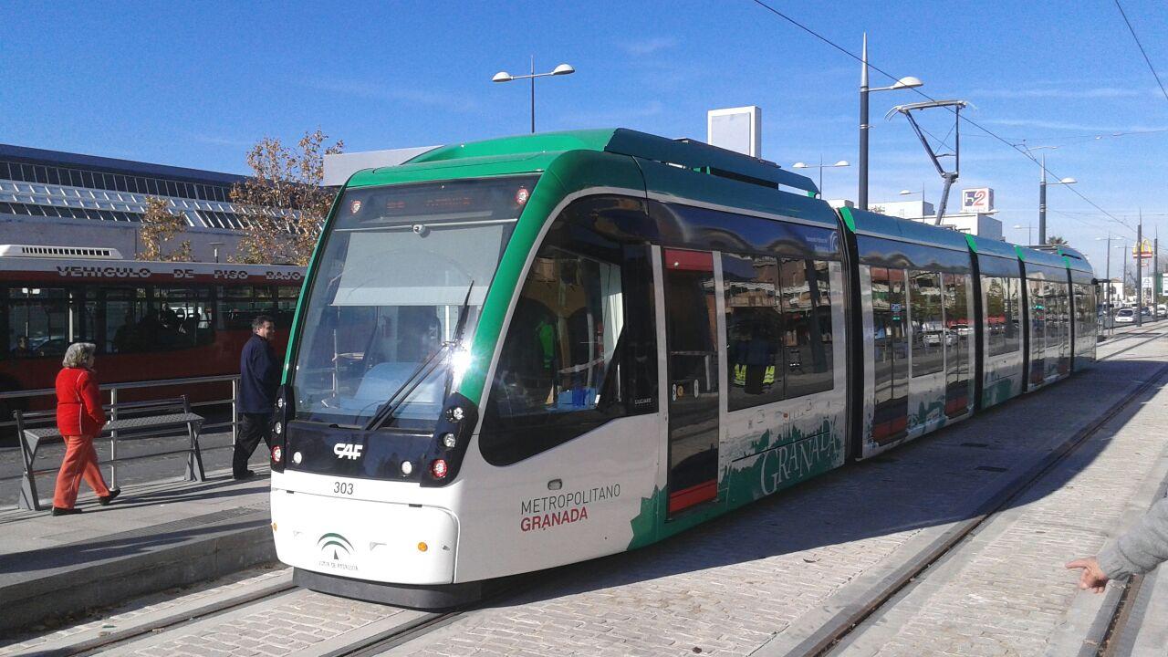 El Metro de Granada presenta ya un índice de puntualidad superior al 94%