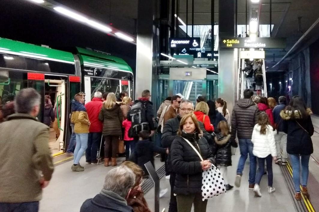 La Estación de Recogidas mantiene, también en Semana Santa, la mayor afluencia de pasajeros del conjunto de estaciones y paradas.