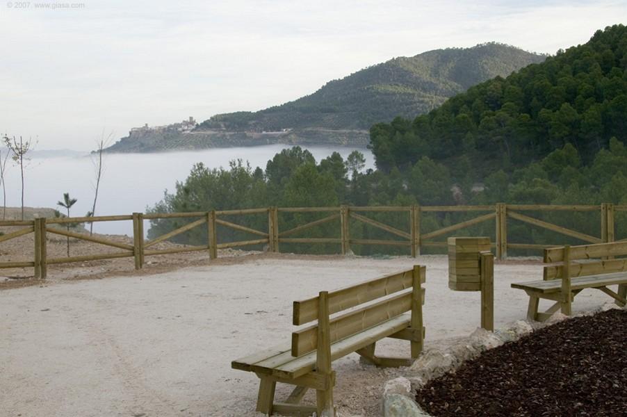 Imagen del Mirador de la Carretera de  La Ballestera (de Hornos a Pontones, en la Sierra de Segura de Jaén), que es un referente en la integración paisajística de una carretera.