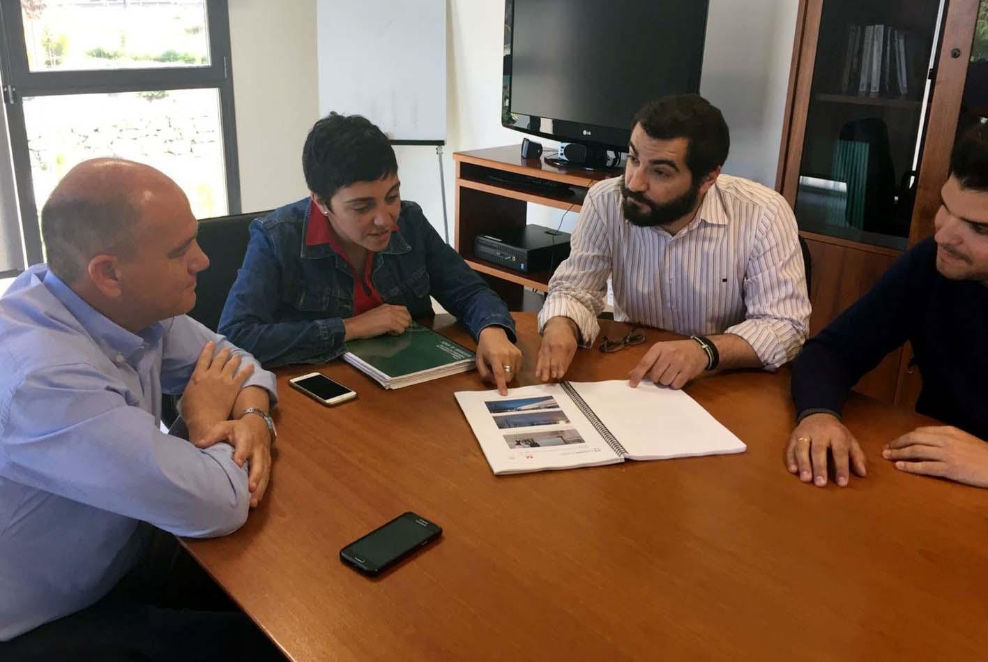 Reunión entre la delegación territorial de Fomento y