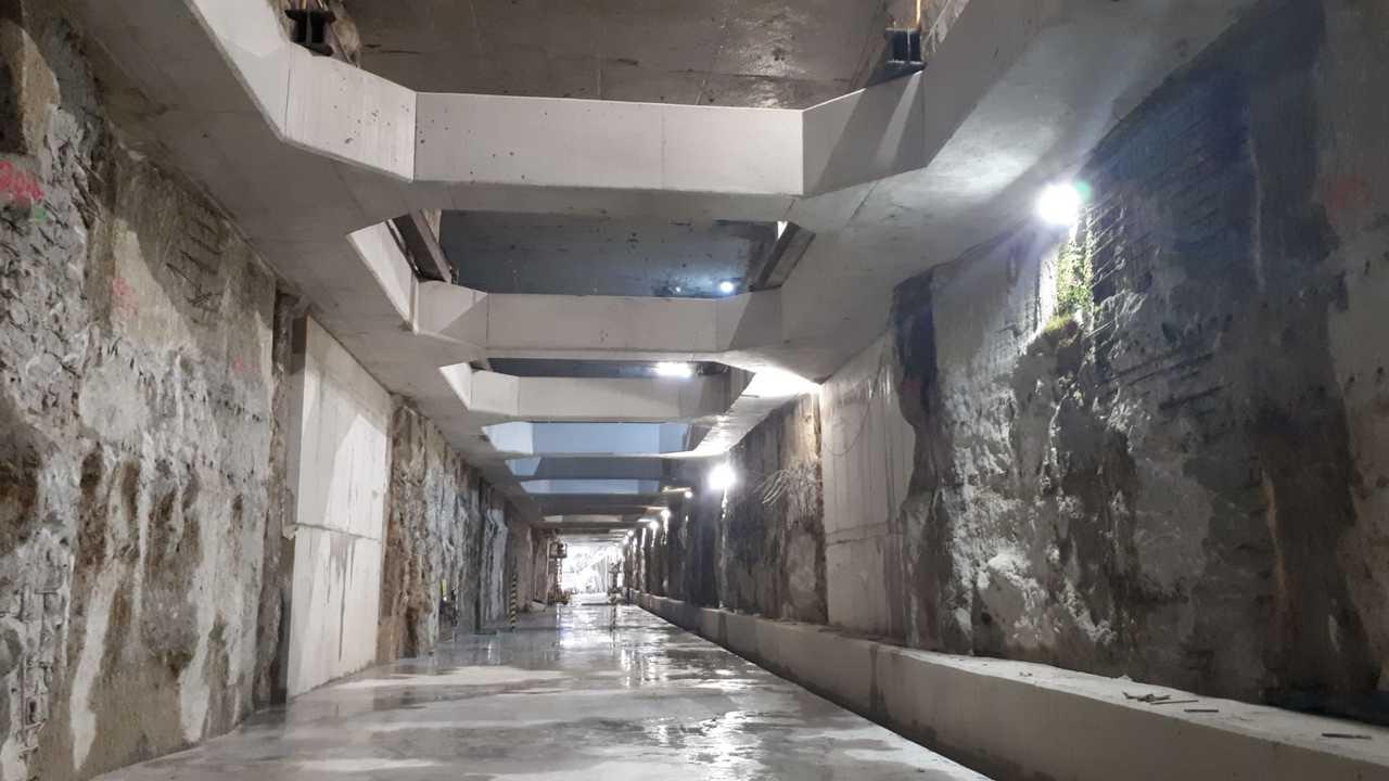 Túnel entre Guadalmedina y Atarazanas pendiente de la superestructura de vía.