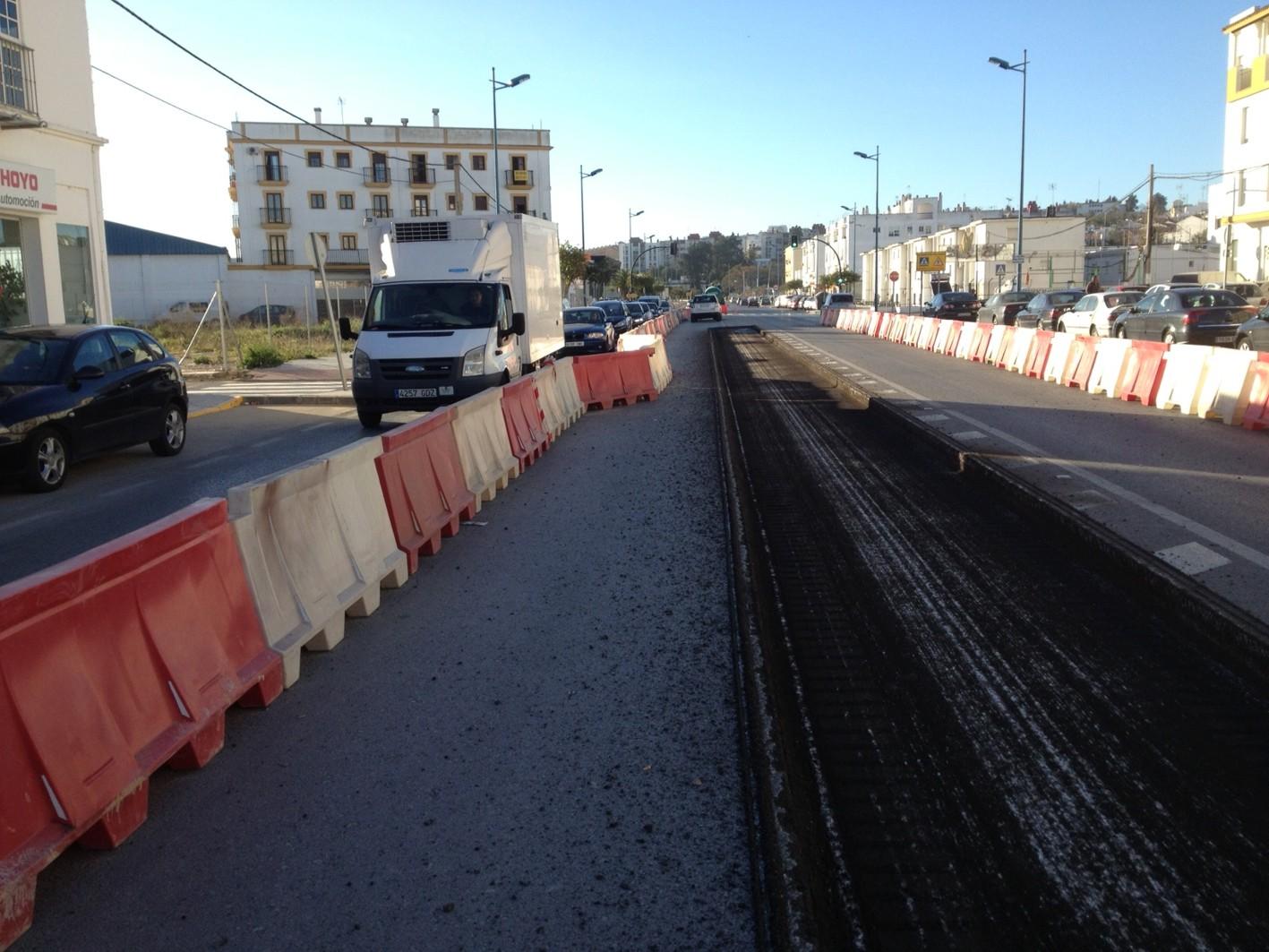 Obras en el tramo urbano de Chiclana del tranvía de la Bahía de Cádiz, el pasado mes de febrero.
