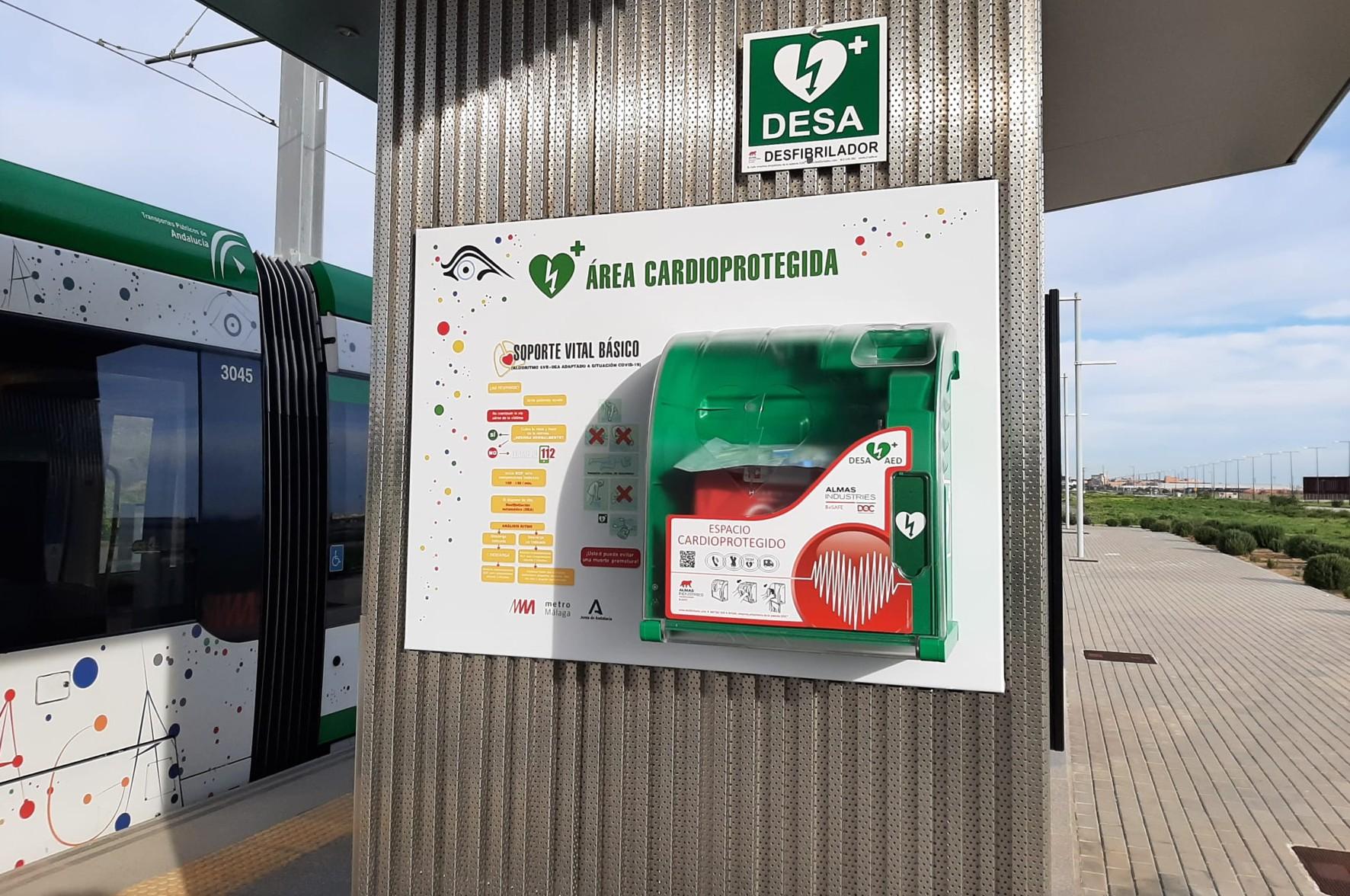 metro de Málaga ha instalado desfibriladores en todas sus paradas y estaciones.