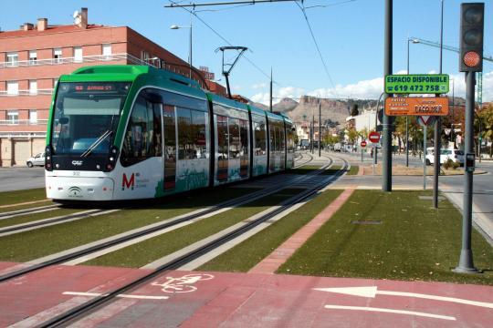 El Metro de Granada acredita que su consumo de energía procede al 100% de fuentes renovables