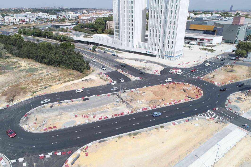 La glorieta de Ciudad Expo permanece liberada de vallas provisionales y señalización de obras