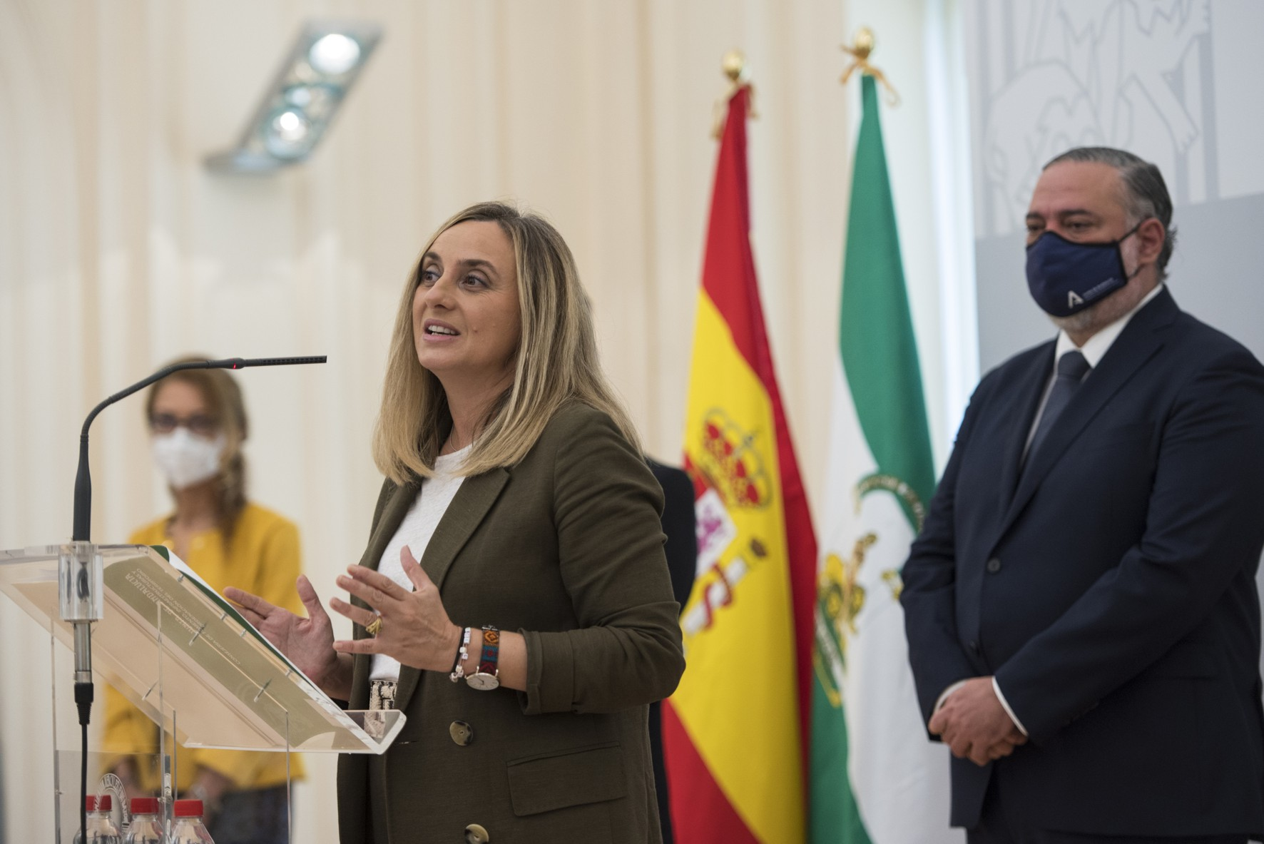 La consejera ha anunciado la ampliación del metro en Granada.
