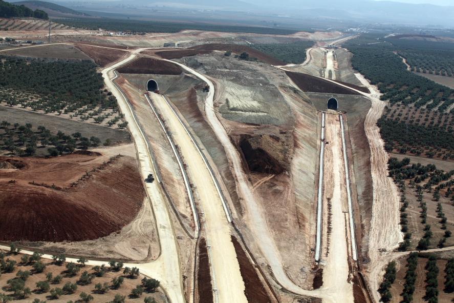 Imagen de la plataforma de Alta Velocidad en el tramo de  Fuente de Piedra a Antequera-Santa Ana
