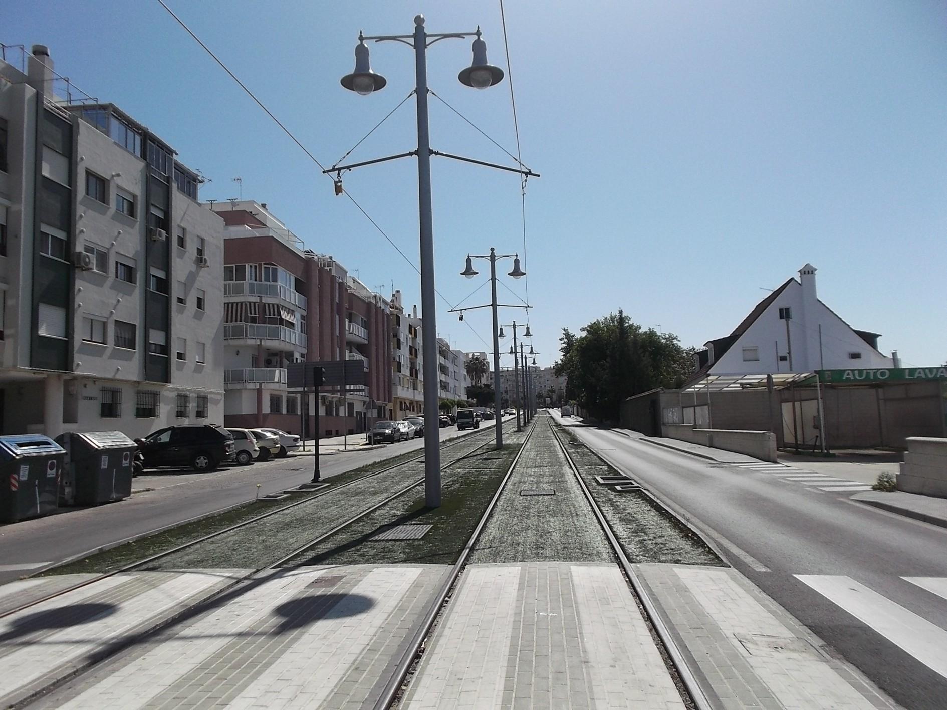 Extendido de la catenaria en el tramo urbano de San Fernando.