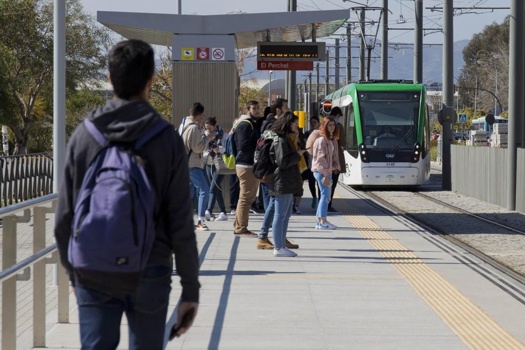 Los usuarios del metro califican este medio de transportes con la máxima puntuación.