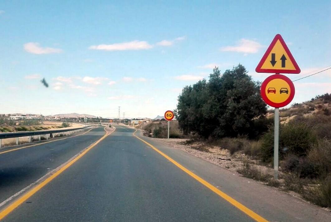 La carretera ya está pintada de amarillo para retomar las obras de duplicación.