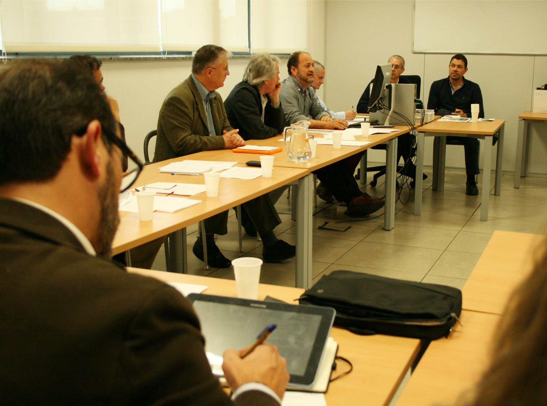 El viceconsejero de Fomento y Vivienda preside la mesa participativa prevista en el PAB.