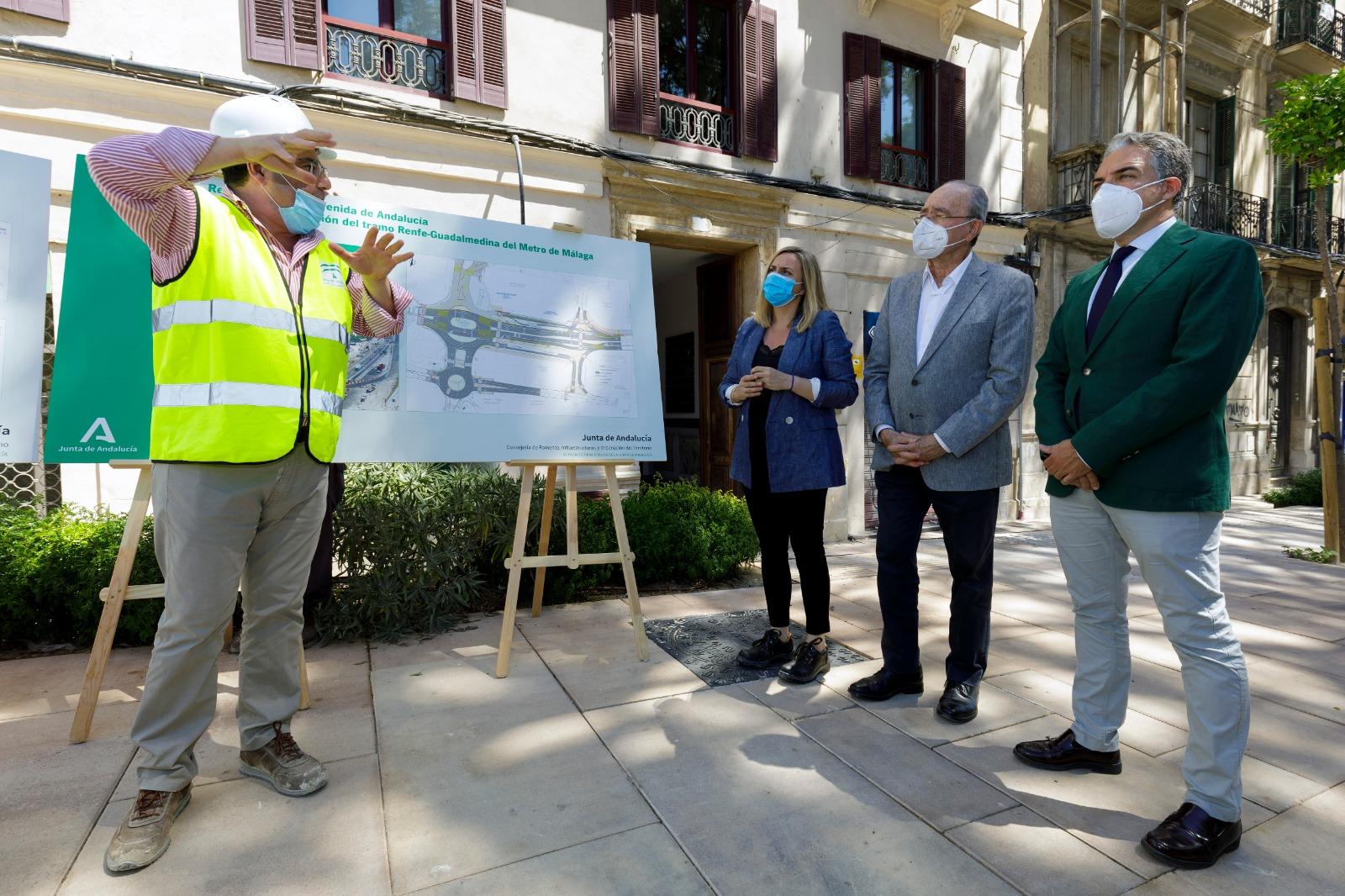La consejera marifrán Carazo visita las obras del metro de Málaga.