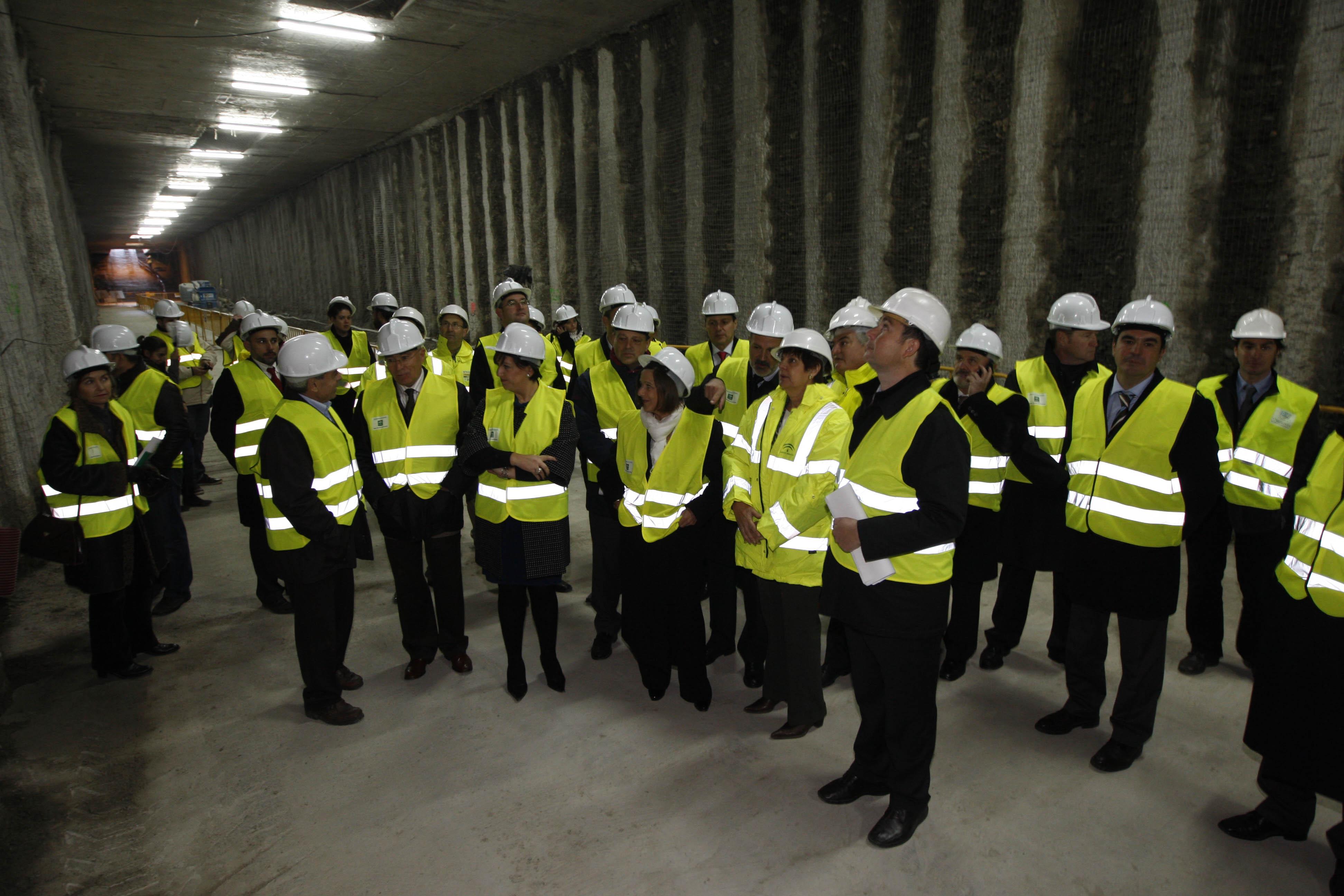 Visita al Túnel bajo Camino de Ronda